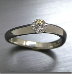 【実例360】昔の婚約指輪をシンプルなリングにリフォーム