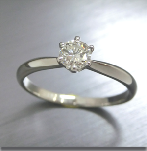 【実例357】立て爪ダイヤリングをティファニーセッティングにリフォーム