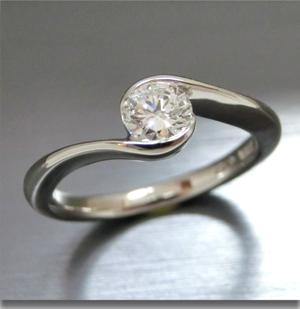 【実例355】立て爪ダイヤをウェーブデザインリングにリフォーム