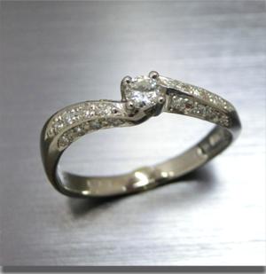 【実例353】ダイヤモンドリングを最新デザインにリメイク