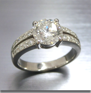 【実例348】大粒ダイヤを定番デザインにリフォーム