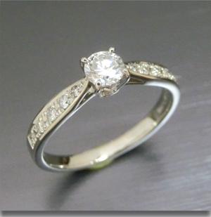 【実例352】昔の婚約指輪をシンプルな普段使いリングに