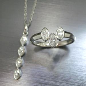 【実例327】マーキスカットのダイヤのリングをリングとペンダントのセットに