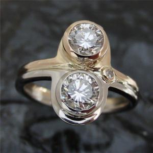 【実例319】お母様と叔母様のダイヤリングを一つのリングにリフォーム