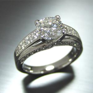 【実例311】1カラットの婚約指輪をさらにボリュームアップ