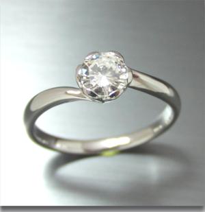 【実例368】立て爪ダイヤを花リングにリフォーム