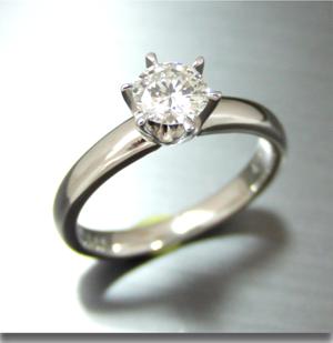 【実例365】立て爪ダイヤをシンプルリングにリフォーム