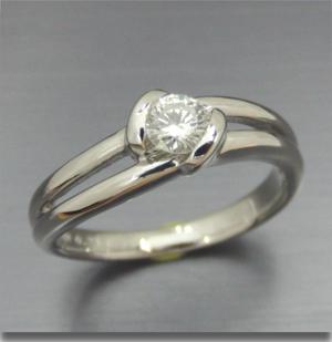 【実例364】0.2ctダイヤリングをシンプルなリングにリフォーム