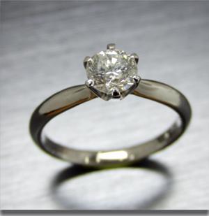 【実例363】立て爪ダイヤをシンプルリングにリフォーム