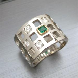 【実例247】エメラルドリングとメレダイヤでオリジナルメンズアクセサリーを制作