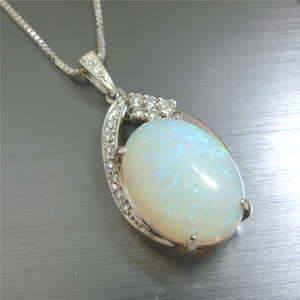 【実例196】オパールの指輪をメレダイヤを散りばめたペンダントにリフォーム