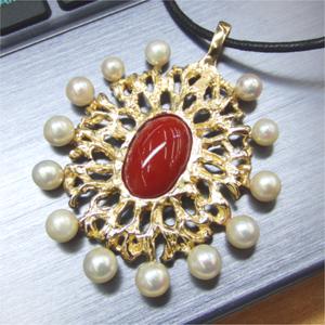 【実例24】サンゴのペンダントと真珠のブローチでオリジナルペンダントを